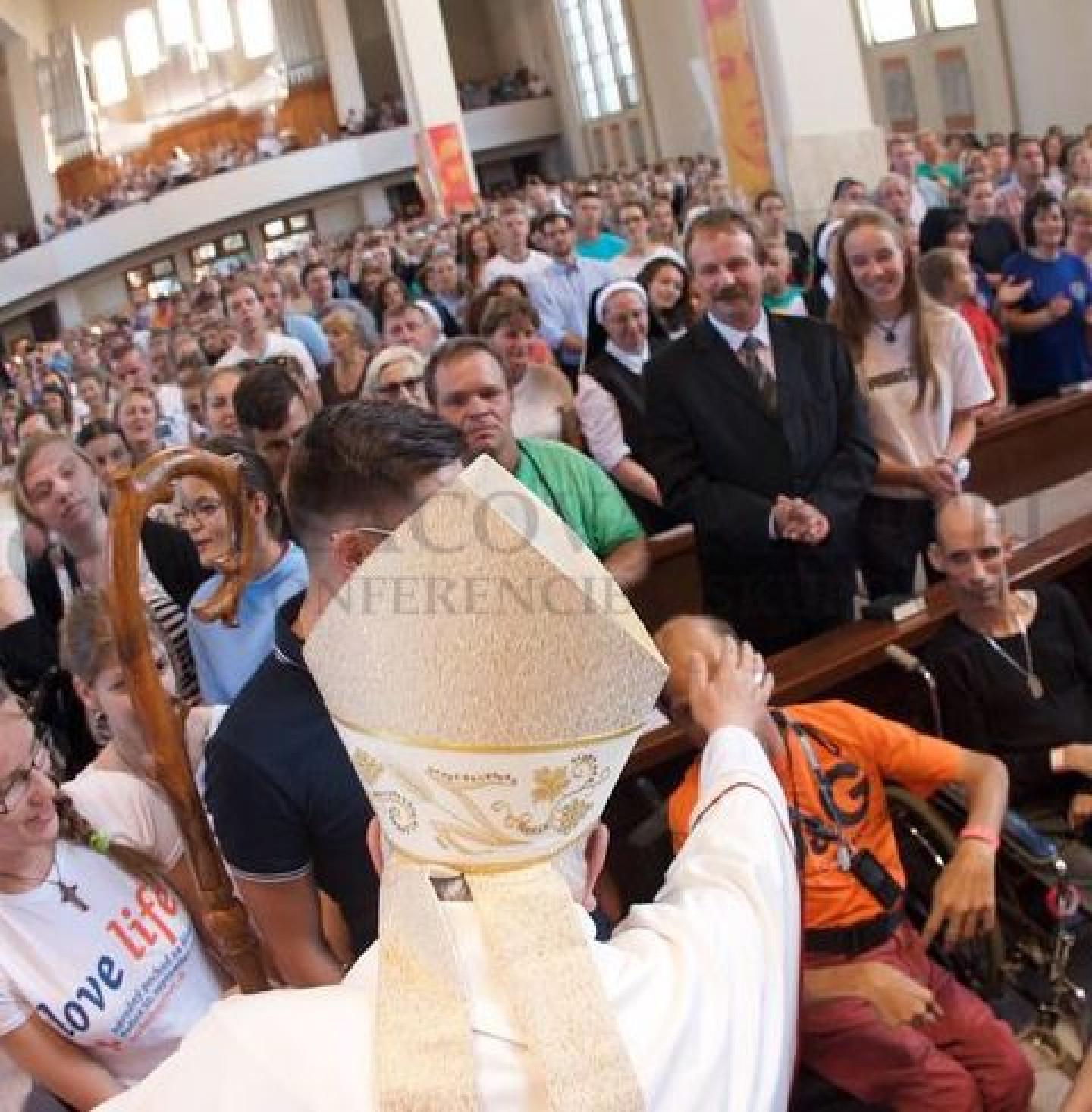 foto biskup